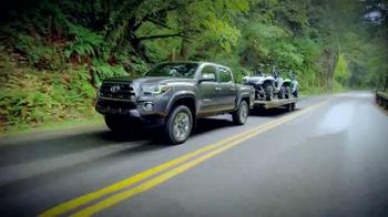 Toyota TV Spot, 'Vehículo para llevarte' [Spanish] - Thumbnail 6