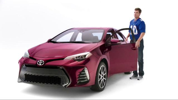 2017 Toyota Corolla TV Spot, 'How to With Eli Manning: Stylish Interior' - Thumbnail 4