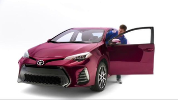 2017 Toyota Corolla TV Spot, 'How to With Eli Manning: Stylish Interior' - Thumbnail 5