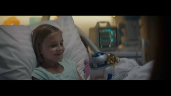 DURACELL TV Spot, 'Star Wars Rogue One: How the Rebels Saved Christmas' - Thumbnail 7