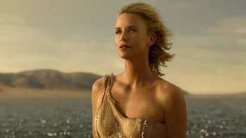 Dior J'adore TV Spot, 'The Absolute Femininity' Featuring Charlize Theron - Thumbnail 8