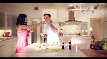 Telemundo TV Spot, 'Coca-Cola: Carlos Ponce y Erika Csiszer' [Spanish] - Thumbnail 2