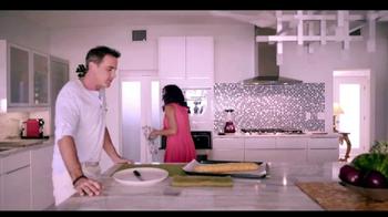 Telemundo TV Spot, 'Coca-Cola: Carlos Ponce y Erika Csiszer' [Spanish] - Thumbnail 3