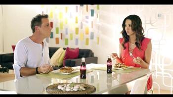 Telemundo TV Spot, 'Coca-Cola: Carlos Ponce y Erika Csiszer' [Spanish] - Thumbnail 7