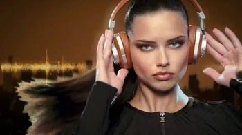 Maybelline New York Brow Precise Fiber Volumizer TV Spot, 'Precisely'