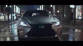 2016 Lexus ES 350 TV Spot, 'You-Time' - Thumbnail 5