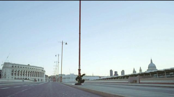 Bose QuietComfort 35 TV Spot, 'Get Closer' Song by Tala - Thumbnail 1