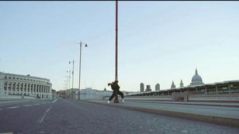 Bose QuietComfort 35 TV Spot, 'Get Closer' Song by Tala - Thumbnail 2