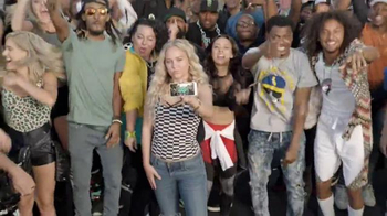 Boost Mobile TV Spot, 'Unlimited World' - Thumbnail 7