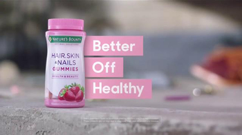 Nature's Bounty Hair, Skin & Nails TV Spot, 'Gracefully' - Thumbnail 7
