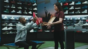 2017 Kia Optima TV Spot, 'Shoe Store' - Thumbnail 2