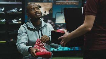 2017 Kia Optima TV Spot, 'Shoe Store'