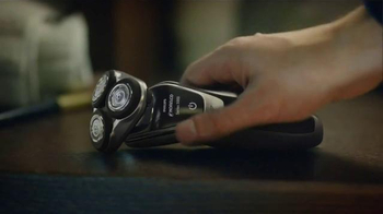 Philips Norelco Shaver 5000 TV Spot, 'Smart' Song by The Isley Brothers - Thumbnail 2