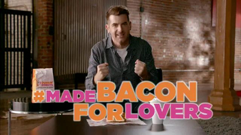 Dunkin' Donuts Sweet Black Pepper Bacon Sandwich TV Spot, 'FX: Big News' - Thumbnail 6