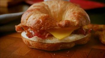 Dunkin' Donuts Sweet Black Pepper Bacon Sandwich TV Spot, 'FX: Big News' - Thumbnail 4