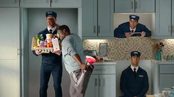 Maytag No-Smear November TV Spot, 'Handsy' Featuring Colin Ferguson - Thumbnail 4