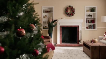 Command TV Spot, 'Holiday Decorating with Hammer' Featuring MC Hammer - Thumbnail 1