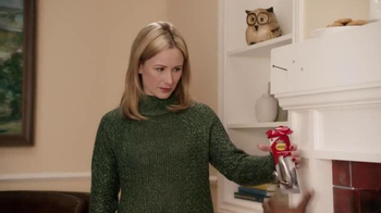 Command TV Spot, 'Holiday Decorating with Hammer' Featuring MC Hammer - Thumbnail 5