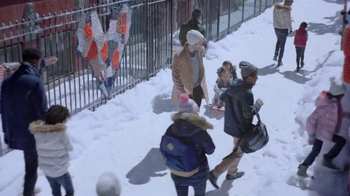 Gap TV Spot, 'Share Your Gift: Sled' Song by T. Rex - Thumbnail 7