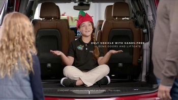 Chrysler Black Friday Sales Event TV Spot, 'PacifiKids: Stowing & Screens' Song by One Republic - Thumbnail 5