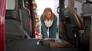 Chrysler Black Friday Sales Event TV Spot, 'PacifiKids: Stowing & Screens' Song by One Republic - Thumbnail 6
