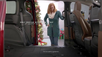 Chrysler Black Friday Sales Event TV Spot, 'PacifiKids: Stowing & Screens' Song by One Republic - Thumbnail 8