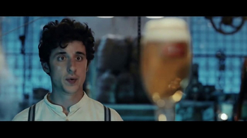 Stella Artois TV Spot, 'Holiday 2016: The Delivery' - Thumbnail 2