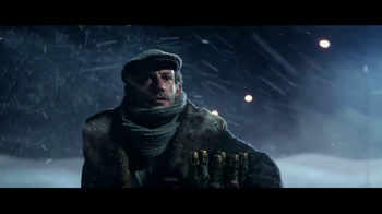Stella Artois TV Spot, 'Holiday 2016: The Delivery' - Thumbnail 4