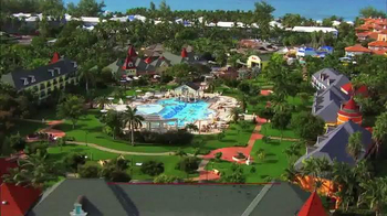 Hallmark Channel White Sand Christmas Sweepstakes TV Spot, 'Beaches Resort' - Thumbnail 4