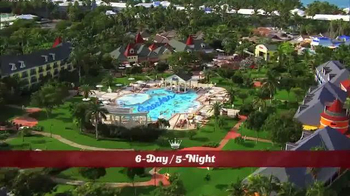 Hallmark Channel White Sand Christmas Sweepstakes TV Spot, 'Beaches Resort' - Thumbnail 5