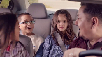 2016 Honda Accord LX TV Spot, 'Camion de Helados' [Spanish] - Thumbnail 5