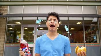 7-Eleven TV Spot, 'Brisk Apple Iced Tea: So Bold' - Thumbnail 6