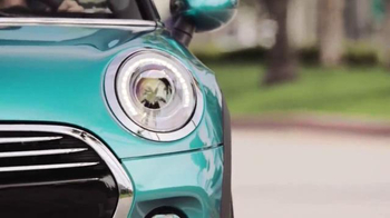 2016 MINI Convertible TV Spot, 'Stay Open' Song by You Guys Berlin - Thumbnail 4