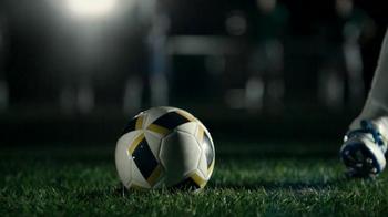 Buffalo Wild Wings TV Spot, 'Penalty Kick' - Thumbnail 2