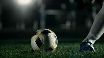 Buffalo Wild Wings TV Spot, 'Penalty Kick' - Thumbnail 4