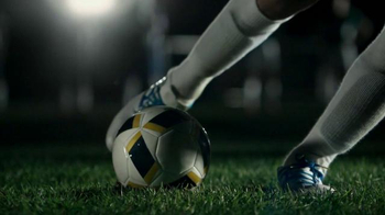 Buffalo Wild Wings TV Spot, 'Penalty Kick' - Thumbnail 6