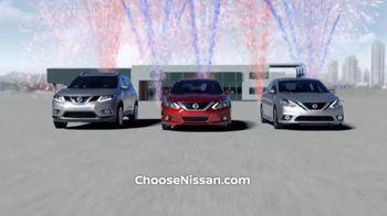 Nissan Free to Choose Event TV Spot, 'Holiday Bonus Cash'