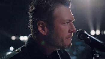 Gildan TV Spot, 'Keep Wearing It' Featuring Blake Shelton - Thumbnail 3