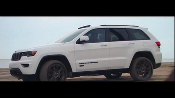 2016 Jeep Grand Cherokee Laredo TV Spot, 'Summer Wanderers' - 358 commercial airings