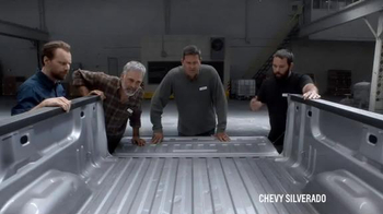 2016 Chevrolet Silverado TV Spot, 'Steel Bed Outperforms Aluminum Bed' - Thumbnail 4