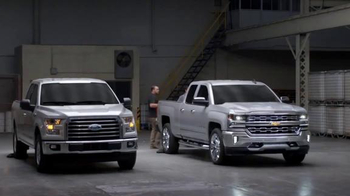 2016 Chevrolet Silverado TV Spot, 'Steel Bed Outperforms Aluminum Bed' - Thumbnail 8