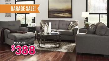 JR Furniture Garage Sale TV Spot, 'Warehouse Cleanup' - Thumbnail 2
