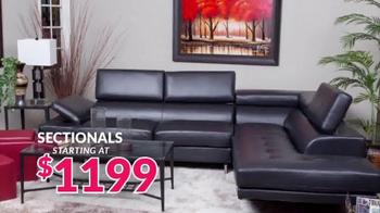JR Furniture Garage Sale TV Spot, 'Warehouse Cleanup' - Thumbnail 5