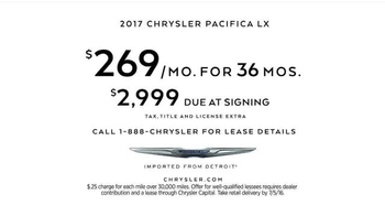 2017 Chrysler Pacifica TV Spot, 'Neighborhood Watch: Salads' - Thumbnail 10