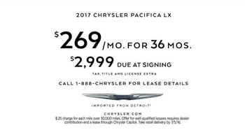 2017 Chrysler Pacifica TV Spot, 'Neighborhood Watch: Salads' - Thumbnail 9