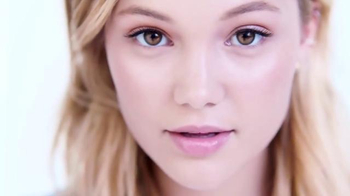 Neutrogena Light Therapy Acne Mask TV Spot, 'Light' Featuring Olivia Holt - Thumbnail 9