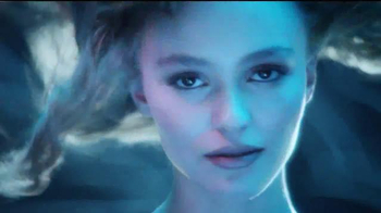 Chanel No. 5 L'eau TV Spot, 'I Am' Featuring Lily-Rose Depp - Thumbnail 8