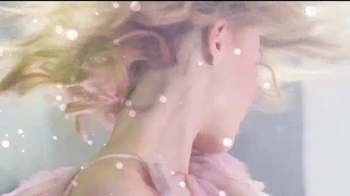 Chanel No. 5 L'eau TV Spot, 'I Am' Featuring Lily-Rose Depp - Thumbnail 9