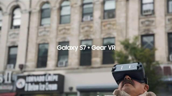 Samsung Gear VR TV Spot, 'A Perfect Day: Gear VR' Song by Nada Surf - Thumbnail 4