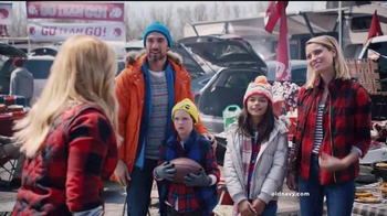 Old Navy TV Spot, 'Team Old Navy' Featuring Amy Schumer - Thumbnail 2